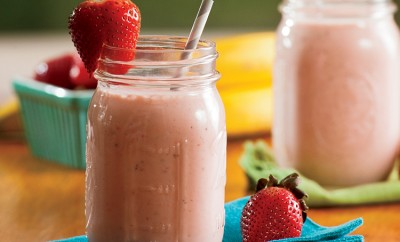Healthy Strawberry Breakfast Smoothie Recipe